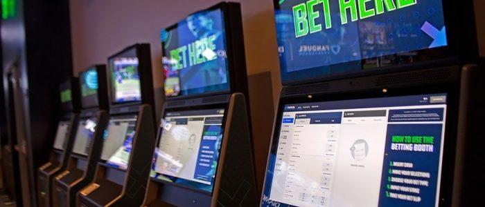 Pendapatan kasino Iowa turun hampir 20% pada tahun fiskal, melunak oleh dorongan taruhan olahraga